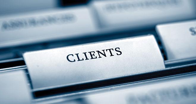 Cum pot companiile să ajungă în mintea clienților potențiali pentru a îi transforma în clienți efectivi