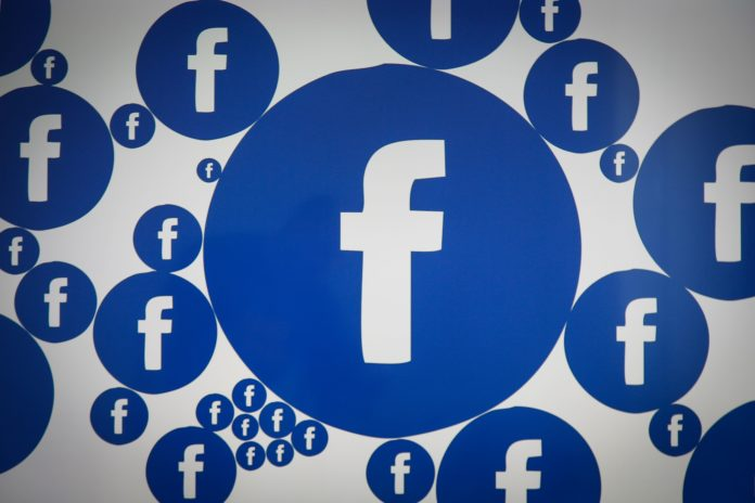 Bonusul de 1.000 de dolari Facebook se aplică numai angajaților direcți cu normă întreagă care lucrează de acasă, nu și angajaților indirecți