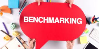 Ce este evaluarea comparativă competitivă în afaceri? Analiza comparativă competitivă cunoscut și ca competitive benchmarking este procesul de comparare a companiei dvs. cu concurenții dvs. pentru a identifica cele mai bune practici din industria dvs. Procesul poate aduce beneficii companiei dvs. în mai multe moduri - poate ajuta la generarea de idei noi pentru îmbunătățirea operațiunilor și a vânzărilor, identificarea de noi tehnologii care ar putea reduce costurile sau consolida loialitatea și satisfacția clienților. Un rezultat al procesului de evaluare comparativă este eliminarea lacunelor în serviciu sau achiziționarea de avantaj competitiv. Există avantaje clare ale evaluării comparative competitive. Analiza comparativă competitivă vă va oferi informații vitale despre afacerea dvs. Procesul vă va evidenția punctele tari și punctele slabe și vă va ajuta să identificați oportunități în nișa de afaceri. Evaluarea comparativă competitivă este primul pas către analiza concurenților. Pentru a efectua o analiză de evaluare comparativă, va trebui să aveți o imagine de ansamblu clară a performanței companiei dvs. pe mai multe niveluri diferite. După ce adunați datele, puteți localiza cu ușurință zonele pe care le puteți îmbunătăți pentru a rămâne cu un pas înaintea concurenților. Veți identifica spațiul cu care concurenții au probleme și veți putea să vă puneți afacerea înainte. Există mai multe modalități prin care puteți implementa evaluări comparative competitive. Cele mai populare sunt: Procesul benchmarking - unde identificați cele mai importante procese și le descompuneți pentru a încorpora cele mai bune practici în propria afacere; Analiză benchmarking - unde căutați rezultatele diferitelor activități de marketing; Benchmarking strategic - acest tip de benchmarking este utilizat pentru a compara diferite abordări cu activitățile de afaceri de bază. În articolele următoare vom analiza în profunzime această situație și veți înțelege mai bine acest concept.