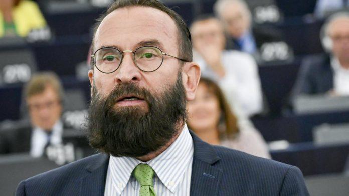 """Un oficial anti-LGBTQ + demisionează după ce ar fi participat la """"Orgy"""""""