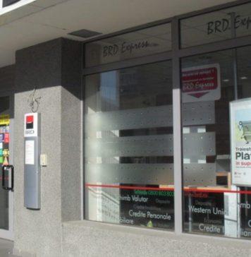 Un proces de subscriere la distanță pentru clienții unei bănci importante