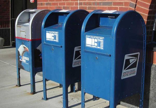 Twitter pune la steag roșu la un tweet al președintelui Trump despre cutiile poștale