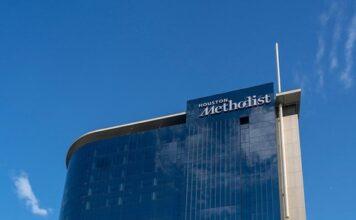 Spitalul Metodist din Houston este dat în judecată de peste 100 de angajați