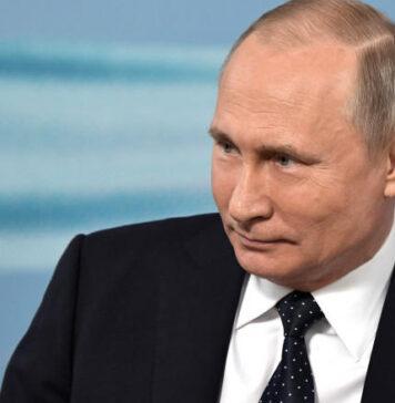 """Putin oferă opinii despre """"coloratul"""" Trump, """"omul de carieră"""" Biden"""